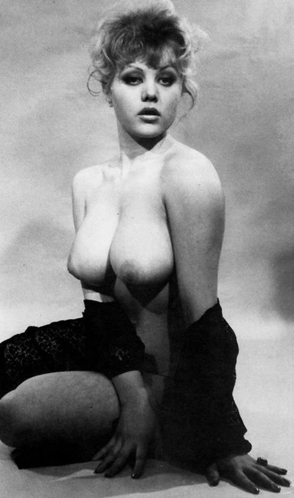 jeanie-vintage-nude-ana-ortiz-nude-pics