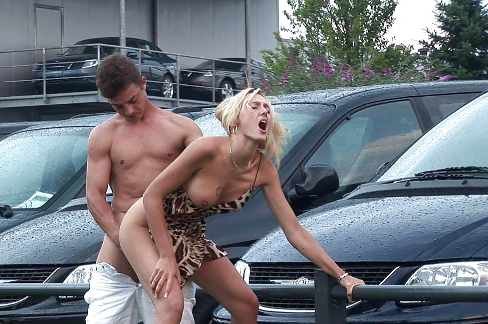 Car park amateur and blonde babe cumshot
