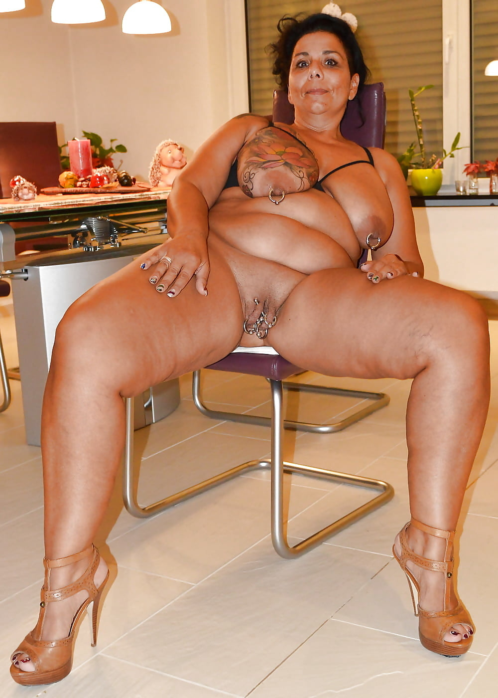 Tan Wife Big Tits Cumshots