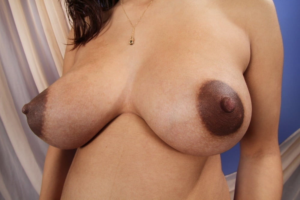 grudi-dam-krupno-foto-seks-horoshi-porno