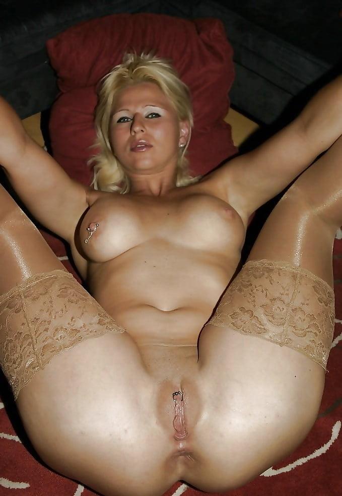 Рекламы частные голые жены с пирсингом русские