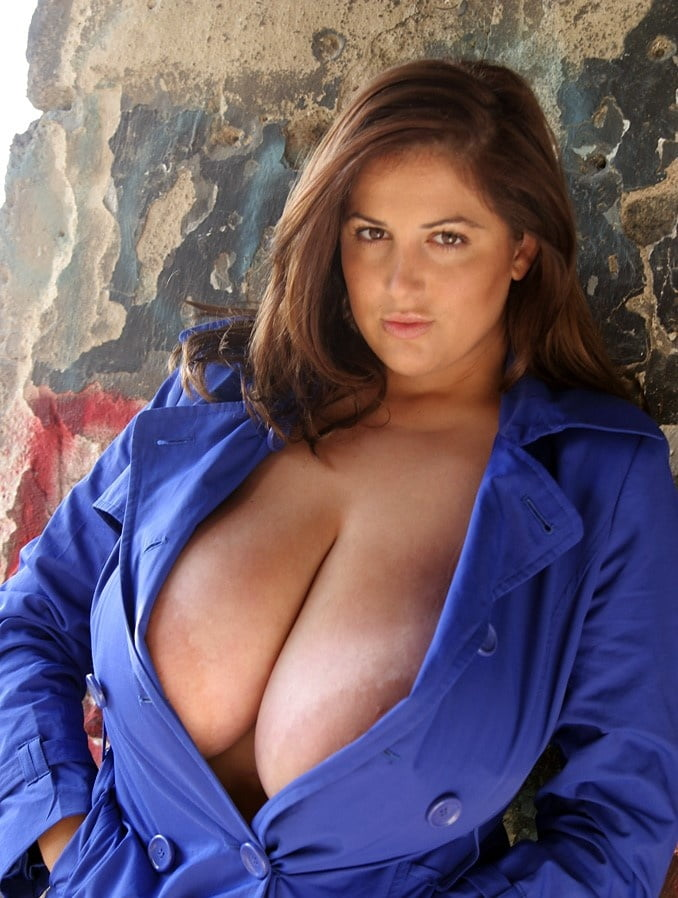 Awesome areolas revealed outdoors - 16 Pics