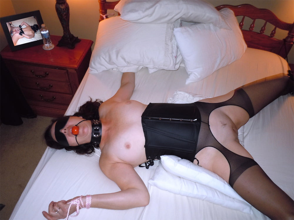 Wife slut blindfolded bed, porn nude sex playing voice