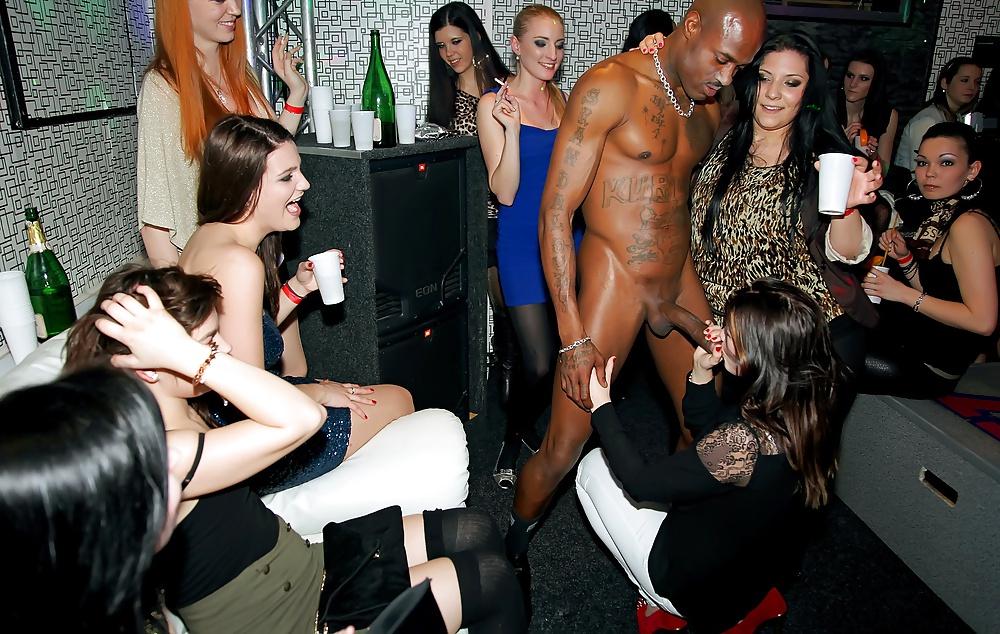 naked-girls-gone-crazy