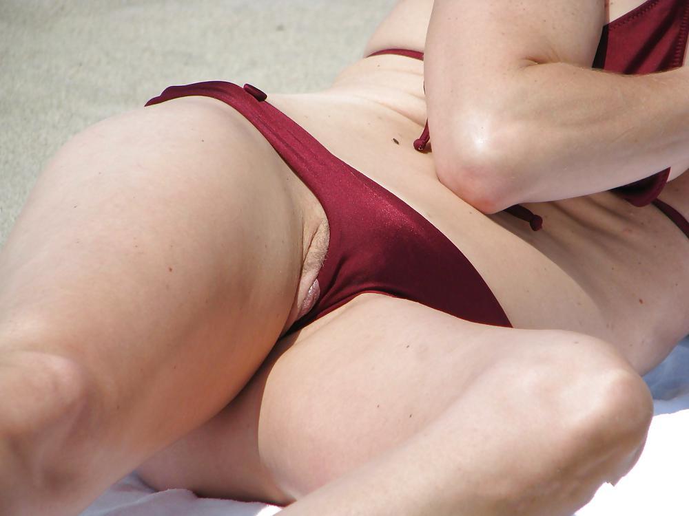 free-voyeur-tape-busty-boobs-gif-naked