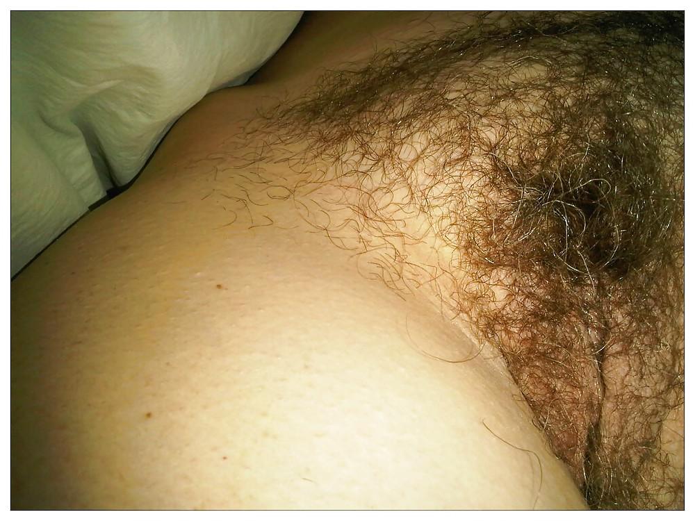 Sleep hairy pussy — photo 14