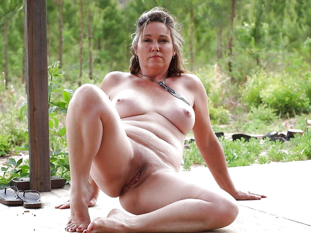 Mature nude posing positions