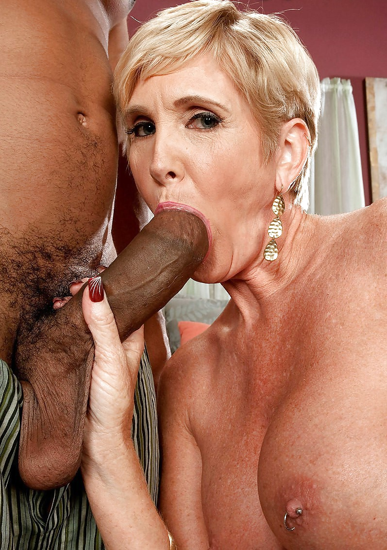 old-horny-women-who-crave-for-dick