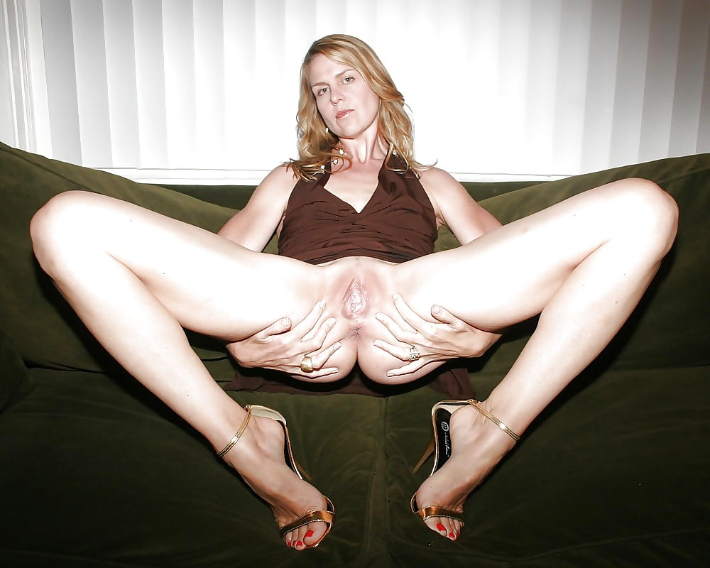 Milf with legs in air — photo 13