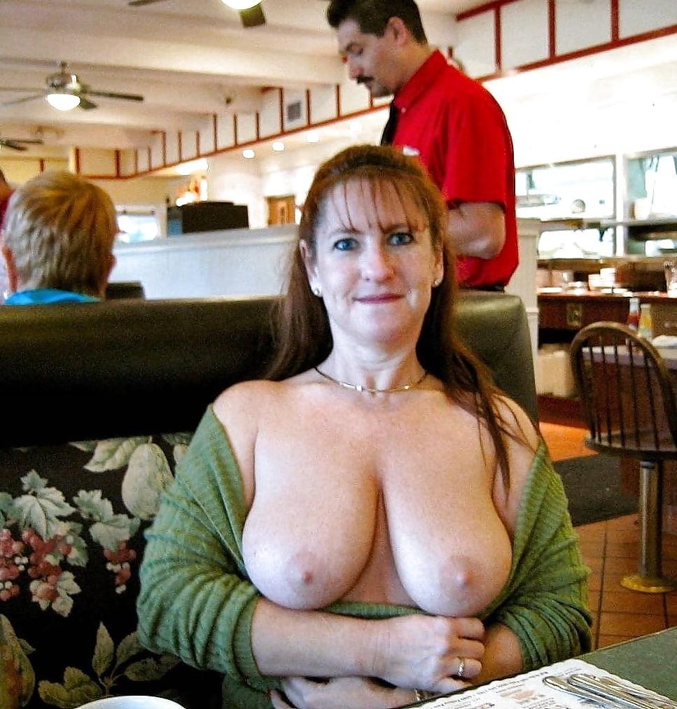sex-busty-moms-in-public
