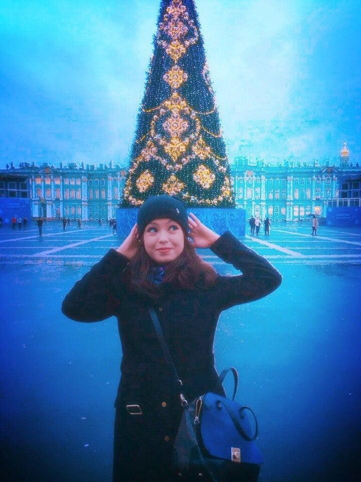 Yulia from Paris - 100 Pics