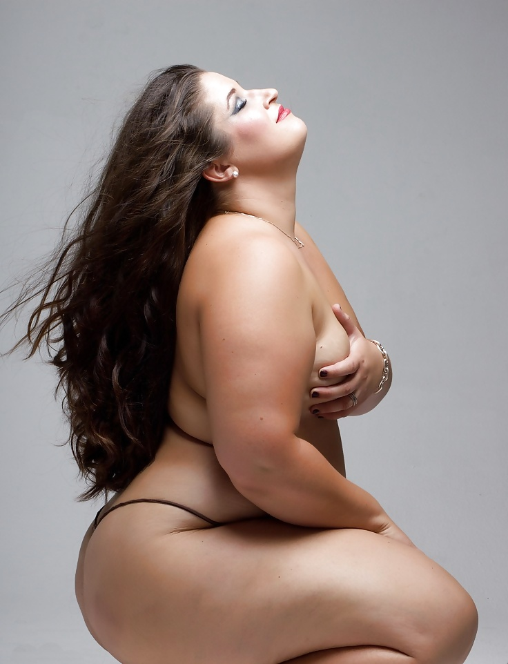 Black and white plus size model nudes — photo 7