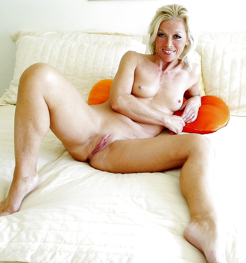 Nude middle aged blondes — photo 5