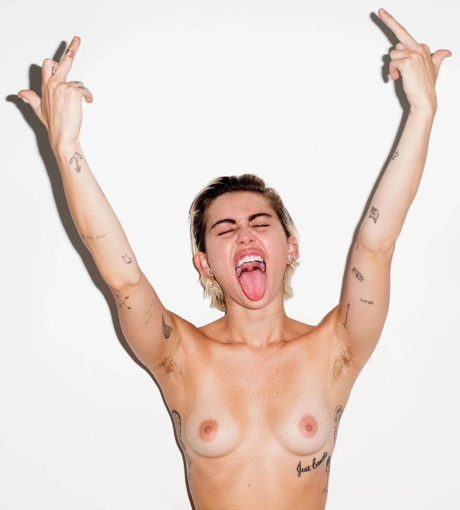 Miley cyrus nude bathroom pics
