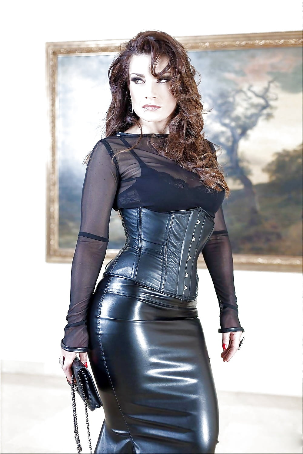 From leather skirt gallery movies milf girl arwen