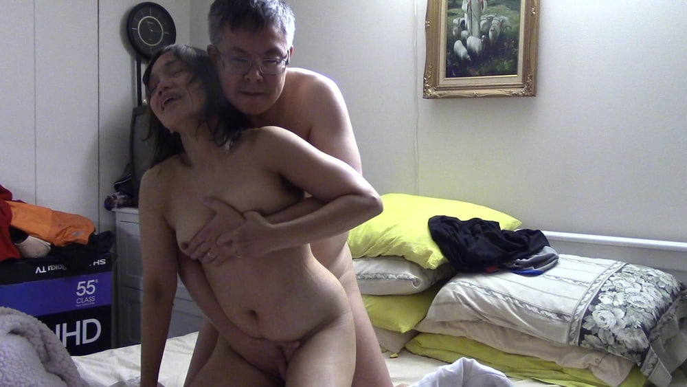 Amateur threesome first time Nude amateur naturals