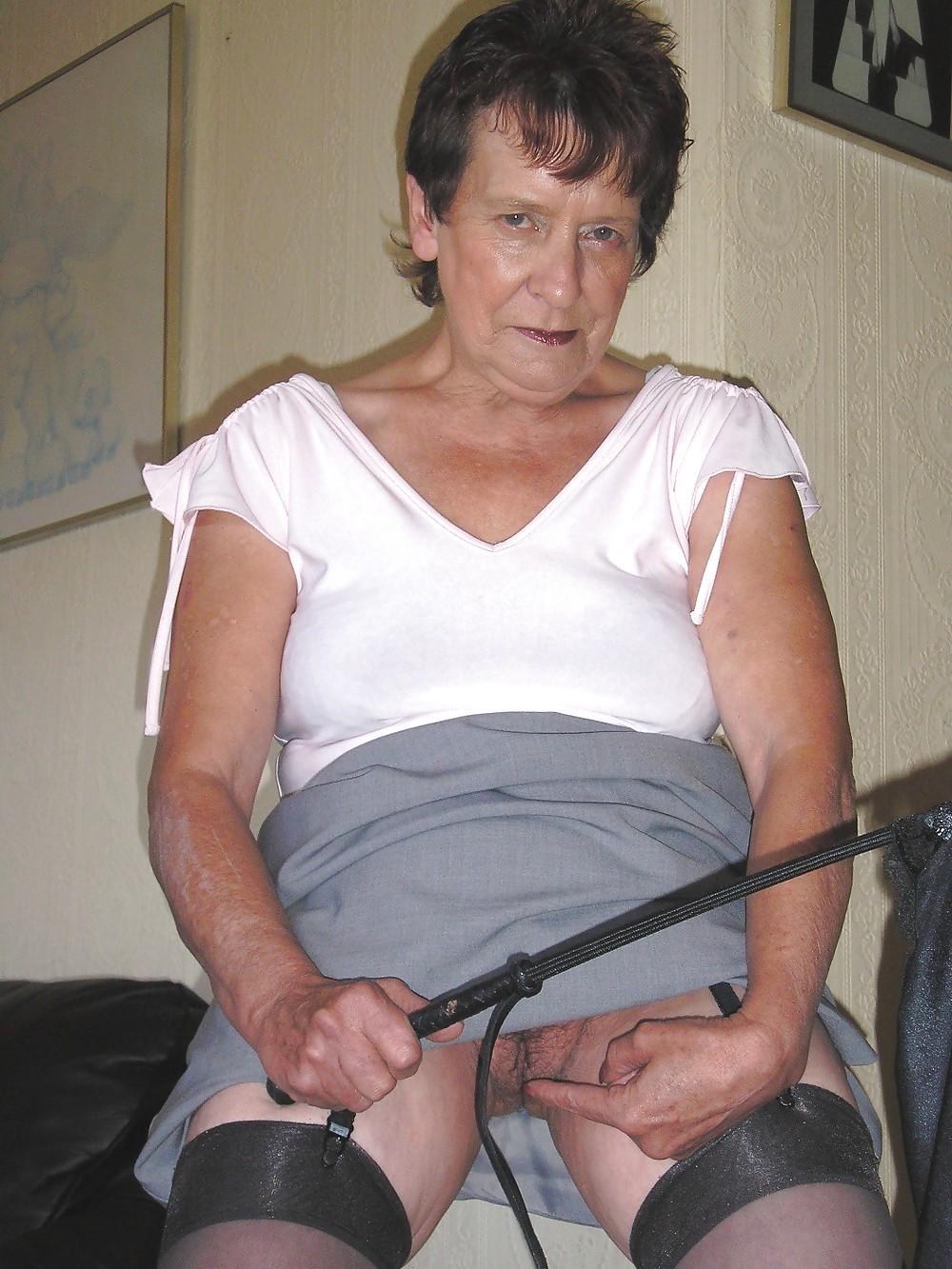 Fendom granny pussy