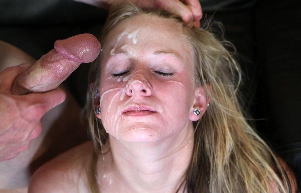 Mature amateur taking endless cumshots over her face