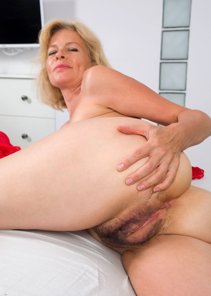Natural Blonde Pussy And Natural Blonde Hairy Pussy Photos