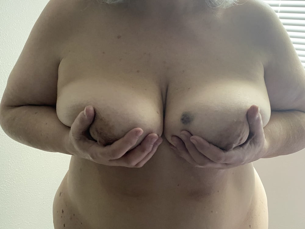 My 65 year old lover - 11 Pics