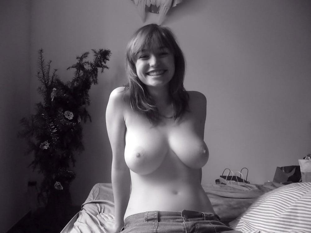 Девушка частное грудь эротика