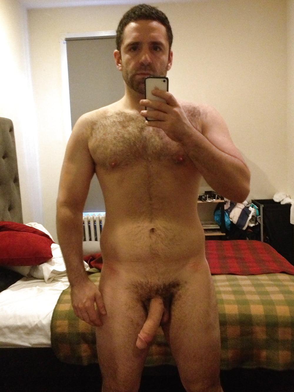 naked-straight-amature-men