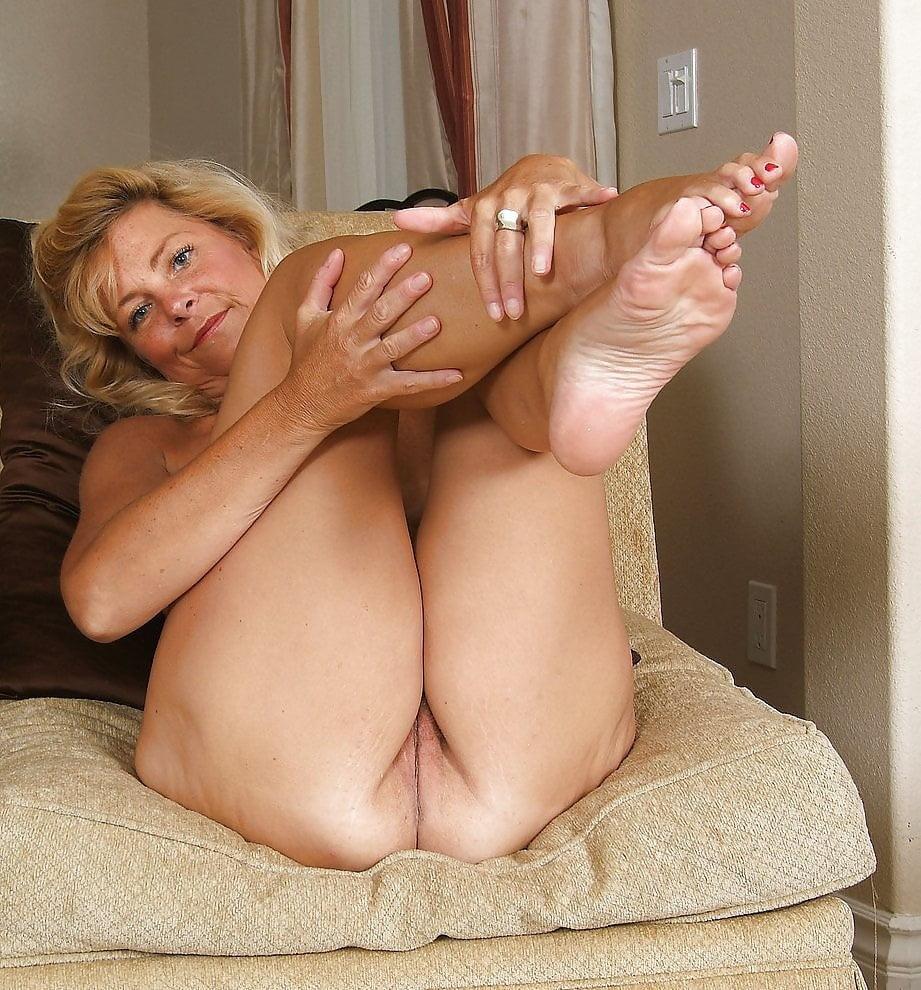 Street mature foot sex showers
