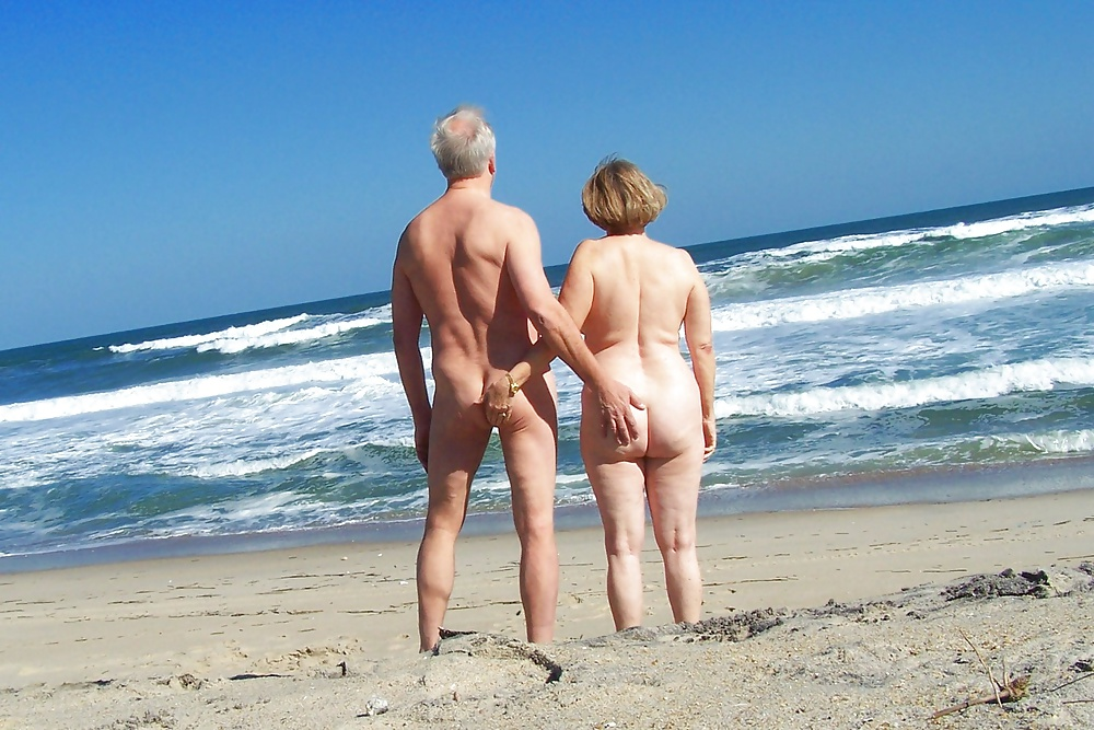 How To Behave On A Nudist Beach
