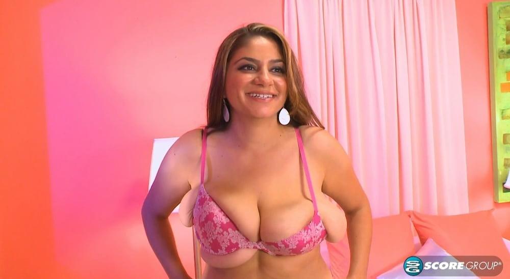 Saggy Tits - 38 Pics