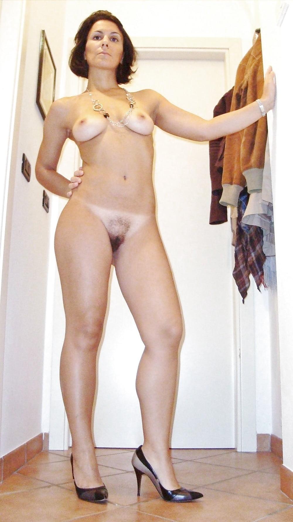 golie-seksualnie-figuri-zrelih-dam