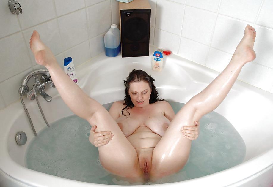 Indian naked girls bathroom
