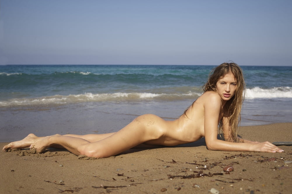 Naked in cyprus — pic 5