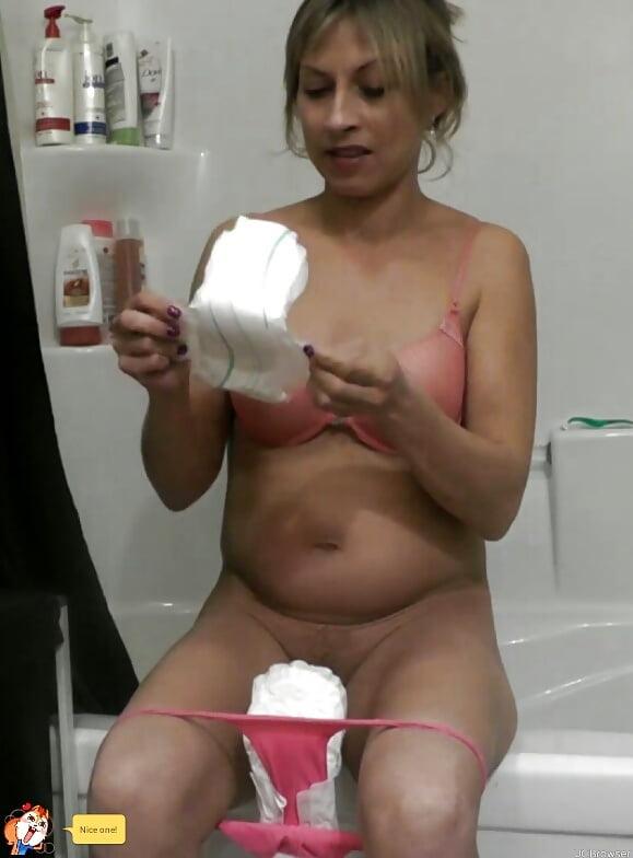 Seksi xxx girl sanitary napkins