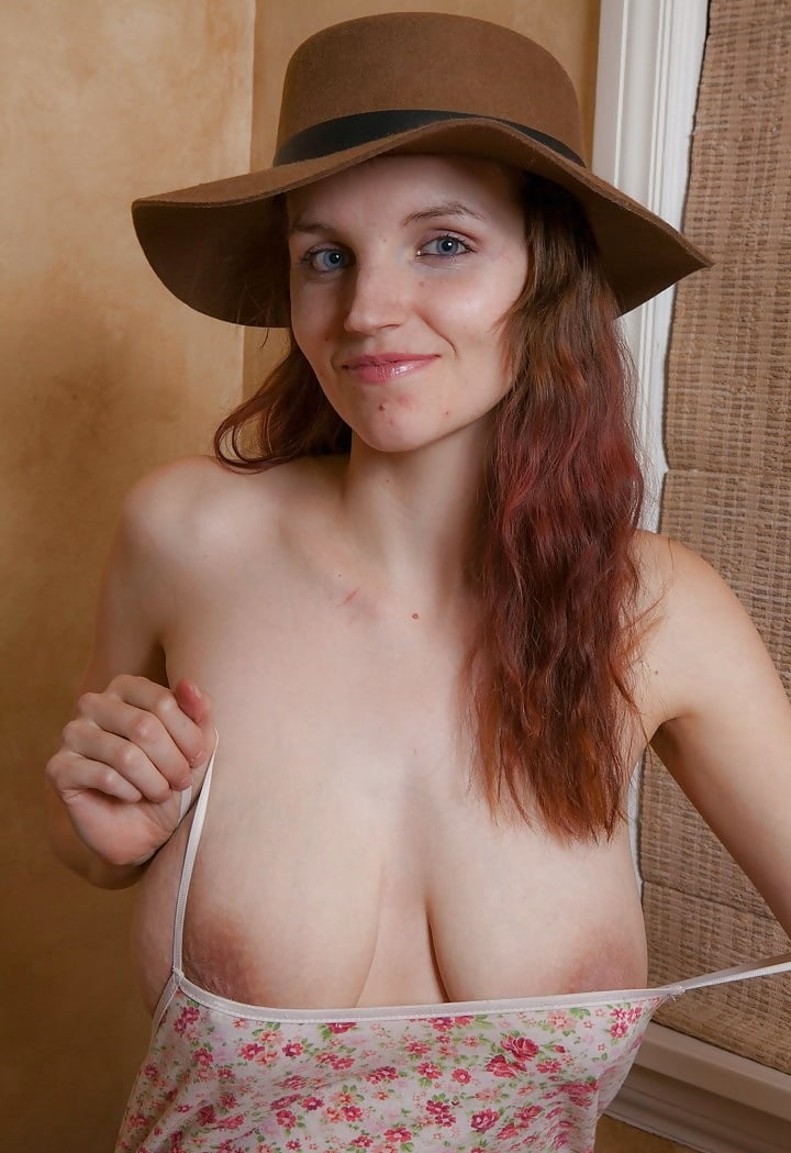 nice-girlies-with-saggy-tits-nude-grey