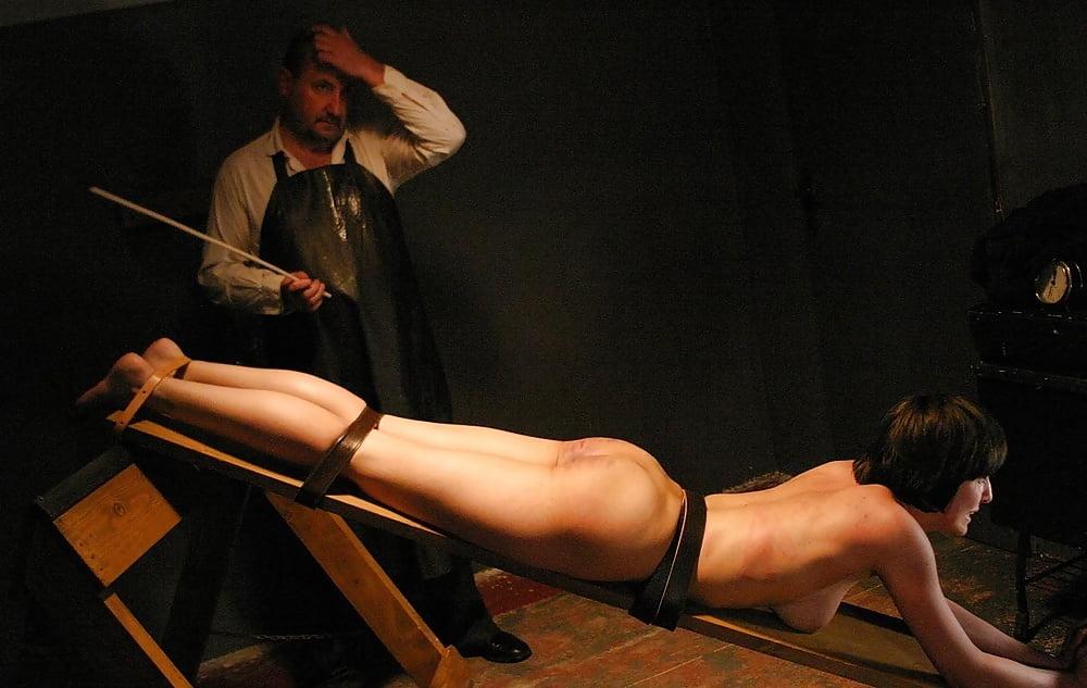 видео наказания голых девок - 3