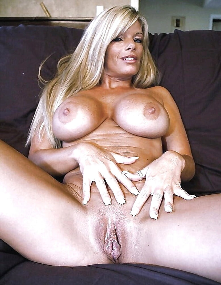Sophie dee big tit milf pussy picture gallery flash pussy