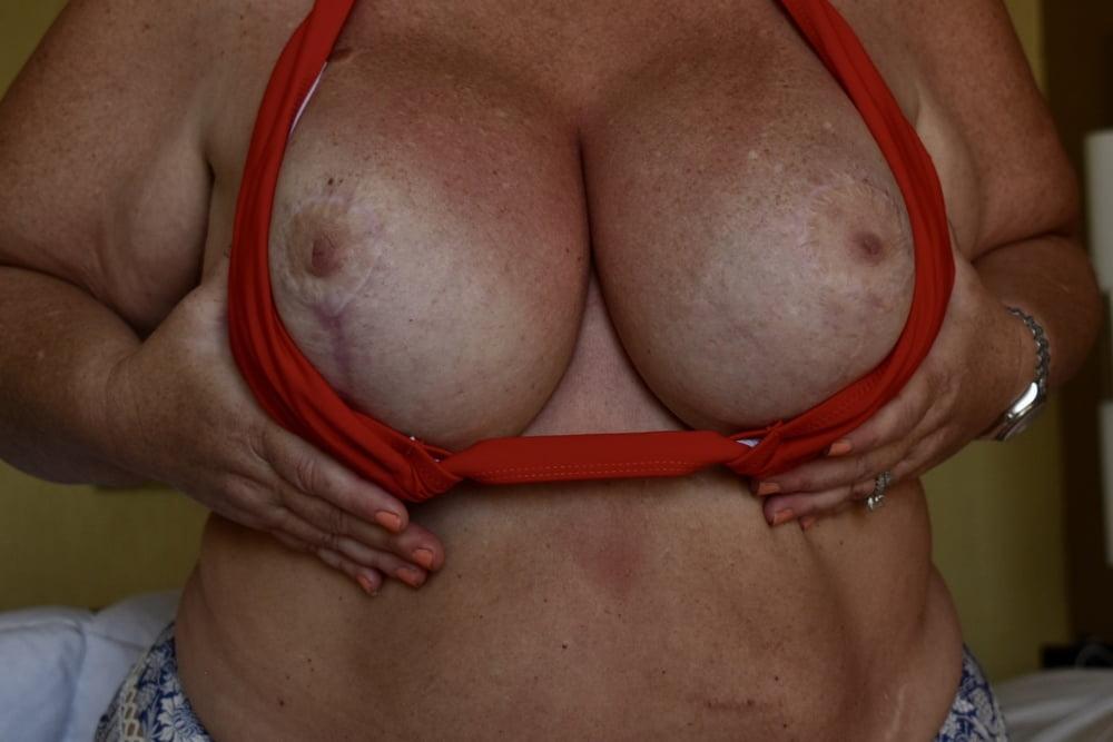 Super Busty MILF in Bikini Shows Off Big Boobs (1) - 34 Pics
