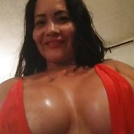 Ideal Pilar Valderrama Nude Gif