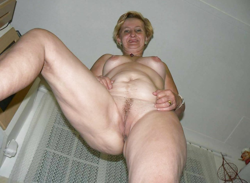 Lonely mature tube