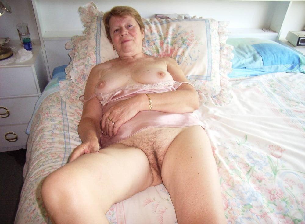 Nude Granny Cam