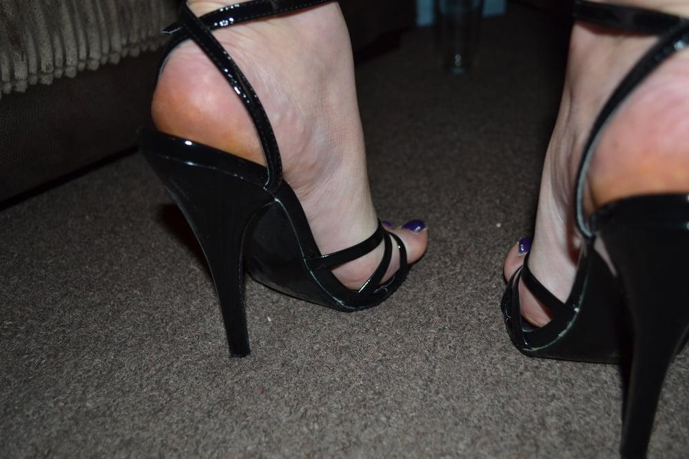 High heels - 49 Pics