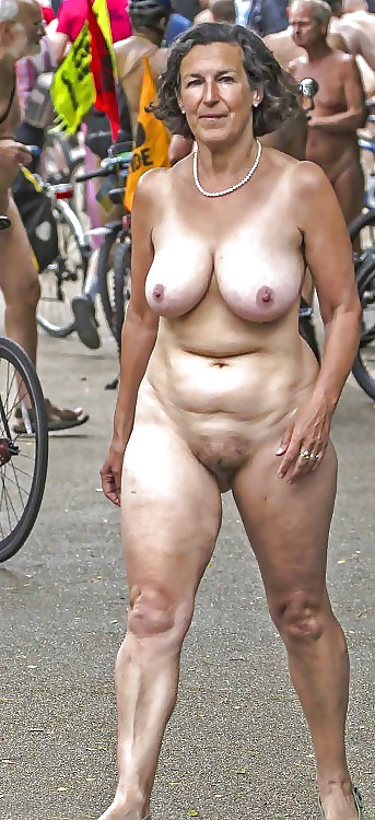 nude-mixed-race-moms