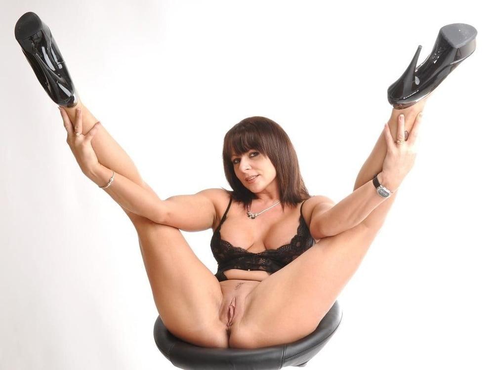 Daring sex carly g sexo lingerie expert sex HQ pics
