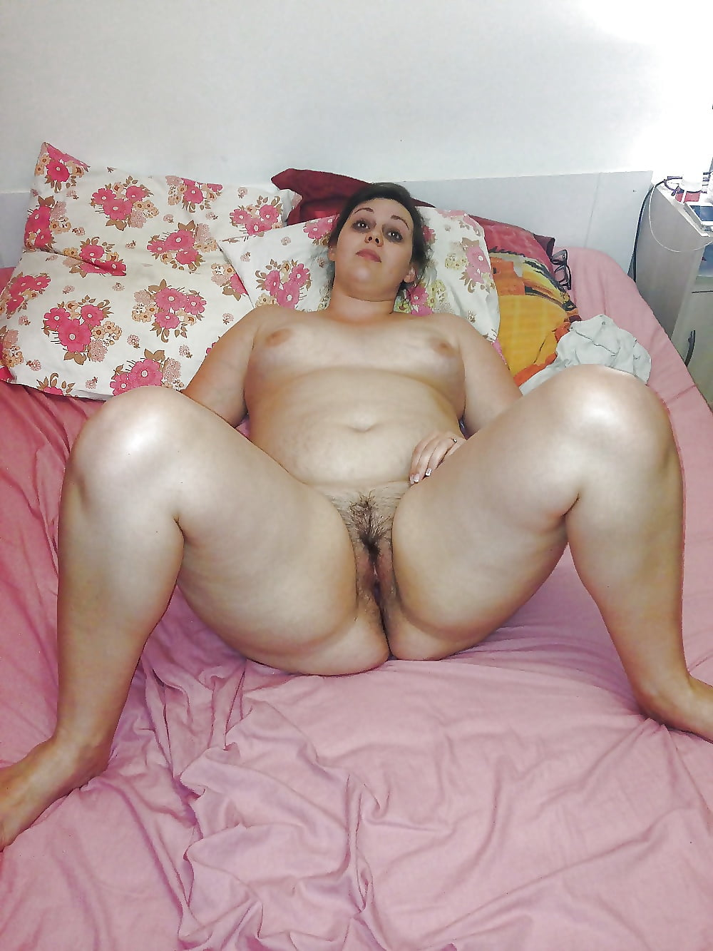 Chubby arab girl striptease