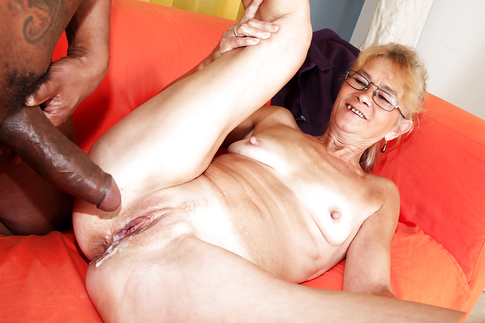 Hot sexy black mature