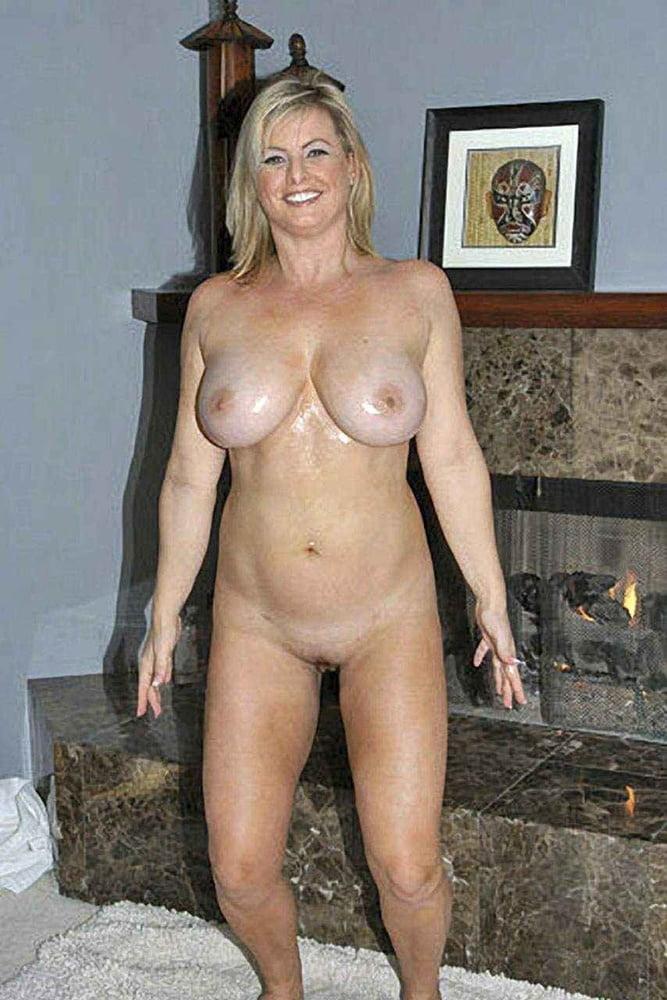 Megyn Price Sexy Scenes