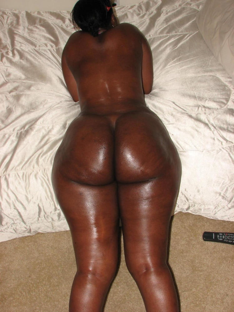 thick-black-girl-with-booty-nude-and-sex