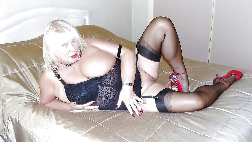 Mature women have sex on stockings