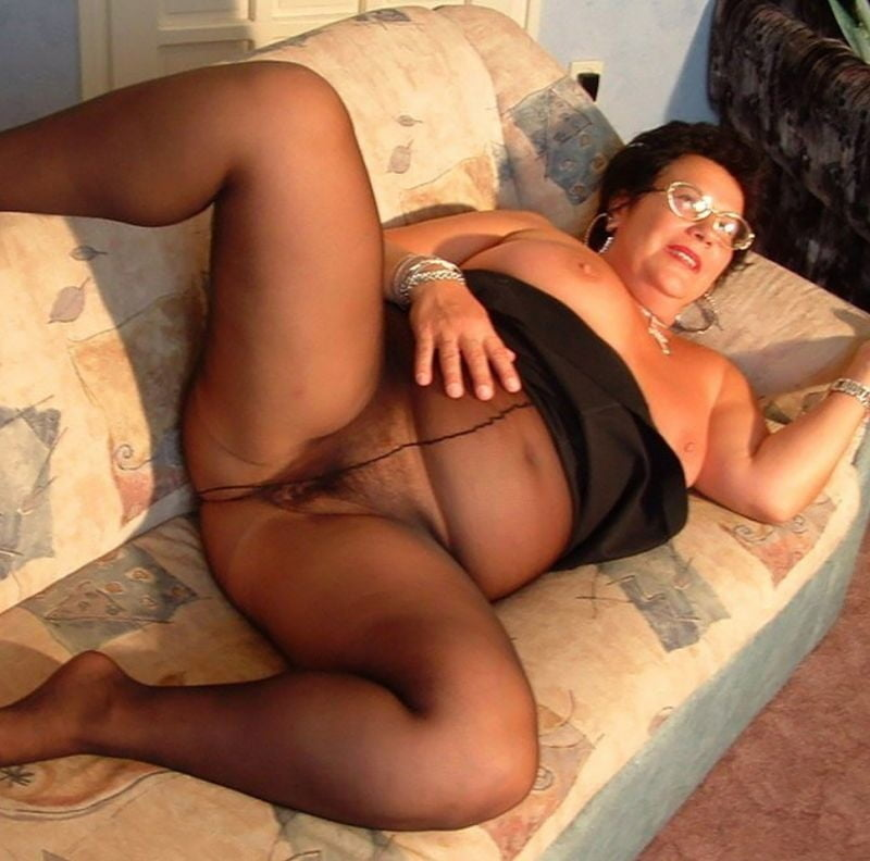 Matures In Nylons Pics