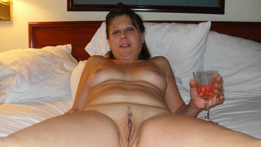 Naked drunk mom leah dizon legs